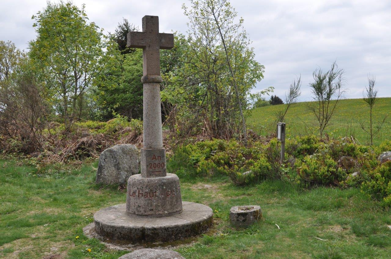 18.05.02.079.croix 2000